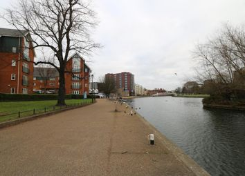 Thumbnail 2 bed flat for sale in Heron Quay, Bedford