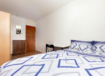 Thumbnail 2 bed flat to rent in Cable Street, Tower Hill London