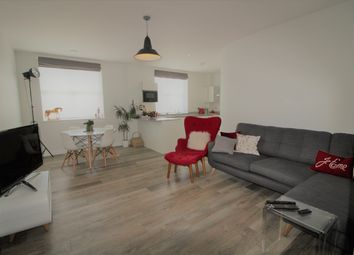 Thumbnail 2 bed flat for sale in 71 Great North Road, Hatfield