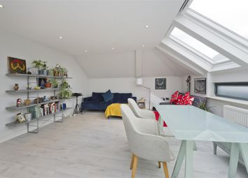 Latimer Road, London W10. 2 bed flat for sale
