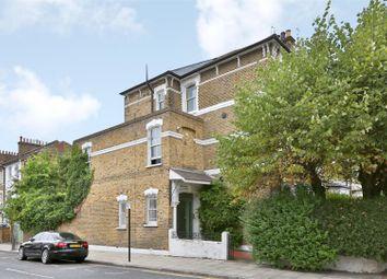 3 bed flat for sale in Brooke Road, London N16