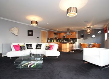 Thumbnail 2 bed flat to rent in Winton Drive, Kelvinside