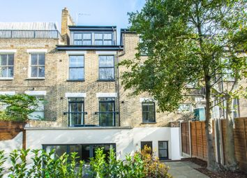 Thumbnail 3 bed flat to rent in Kyverdale Road, Stoke Newington