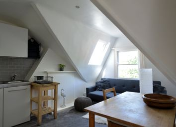 Thumbnail Flat to rent in Yerbury Road, Tufnell Park, London