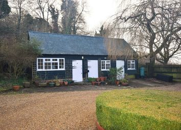 Thumbnail 2 bed detached house to rent in Missenden Road, Butlers Cross, Buckinghamshire