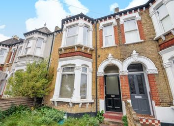 2 bed maisonette to rent in Alexandra Road, Wimbledon, London SW19
