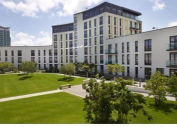 102 The Hayes, Cardiff CF10. Parking/garage to let