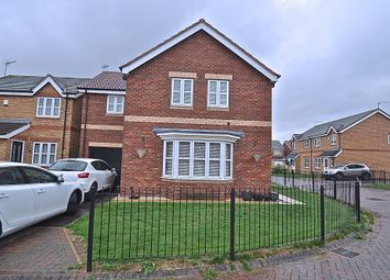 Thumbnail 4 bed detached house for sale in Honley Wood Close, Hull