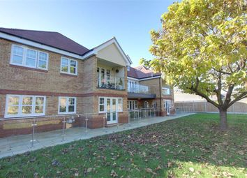 London Road, Aston Clinton, Aylesbury HP22. 3 bed flat
