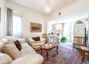 Green Lanes, London N8. 2 bed flat