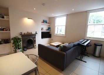 Thumbnail 1 bed flat to rent in Amwell Street, Islington