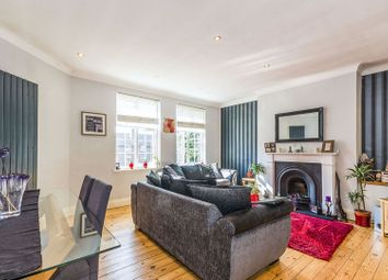 2 Bedrooms Flat for sale in Birkenhead Avenue, Kingston Upon Thames KT2