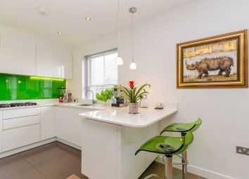 Thumbnail 4 bed flat to rent in Rosslyn Hill, Hampstead