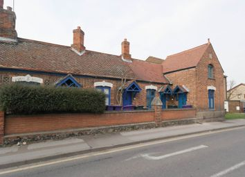 Thumbnail Studio to rent in Queens Road, Royston, Hertfordshire