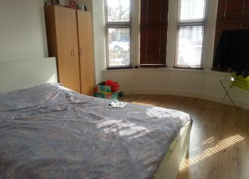 Thumbnail 2 bed flat to rent in The Grove, Palmers Green