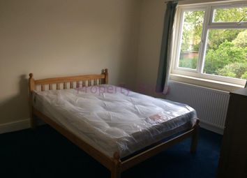 Thumbnail Room to rent in Kings Avenue, Hounslow