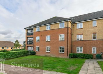 Thumbnail 2 bed flat to rent in Plomer Avenue, Hoddesdon, Hertfordshire