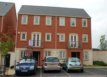 Thumbnail 3 bed town house to rent in Madison Avenue, Brierley Hill