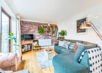 Thumbnail 2 bed flat for sale in Gibbon Road, London