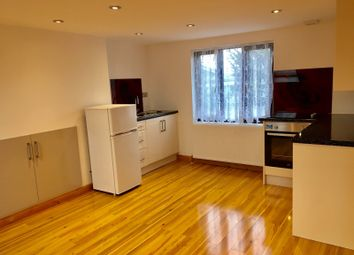 Thumbnail 3 bedroom flat to rent in Thornwood Close, London