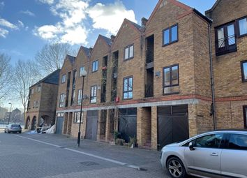 Thumbnail 3 bed town house to rent in Brunswick Quay, London