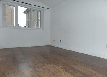 Thumbnail Studio to rent in Kingshill Avenue, Northolt