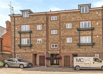 Thumbnail 2 bedroom flat for sale in Temple Gate, Temple Road, Windsor, Berkshire