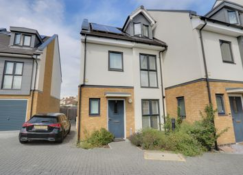 Brookside Crescent, Westcliff-On-Sea SS0. 4 bed end terrace house