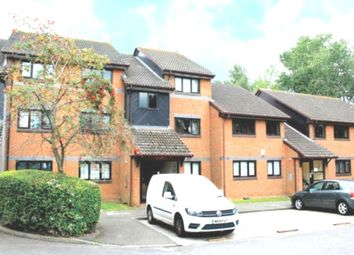 1 bed flat to rent in Crucible Close, Romford, Essex RM6