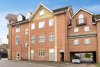 Thumbnail 2 bed property for sale in Elbourne House, Lumley Road, Horley, West Sussex