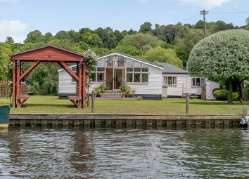 Syringa, Rod Eyot, Henley On Thames RG9. 4 bed detached bungalow