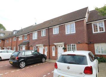 Thumbnail 3 bedroom property to rent in Wayside, Winnersh, Wokingham