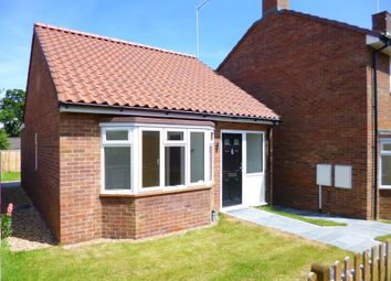 Thumbnail 2 bed detached bungalow to rent in Somers Square, North Mymms, Hatfield
