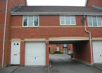 Thumbnail 2 bed flat to rent in Windsor Court, Kings Road, Newbury