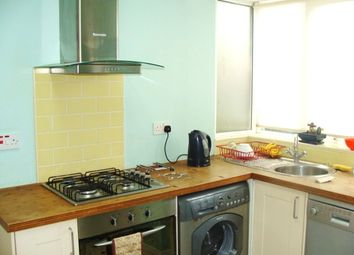 2 bed maisonette to rent in Sandall Close, Ealing W5