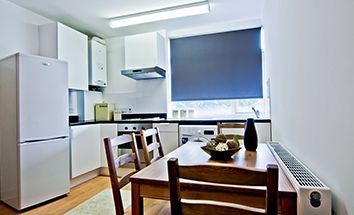Thumbnail 3 bed flat to rent in Woodsley Road, Leeds