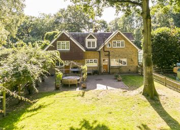 Thumbnail 4 bed property for sale in Harvel Road, Meopham, Gravesend