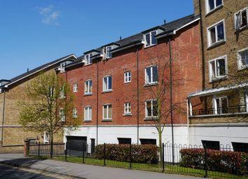 Aveley House, Iliffe Close, Reading RG1. 2 bed flat