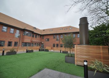Thumbnail 1 bed flat to rent in Oak View, Finchampstead Road, Wokingham