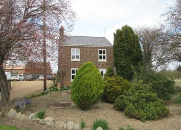 Thumbnail 2 bed cottage to rent in Fendyke Lane, Leverington, Wisbech