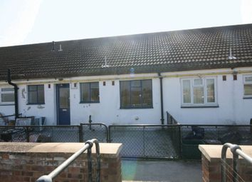 Thumbnail 2 bed flat to rent in Greenway Parade, Chesham