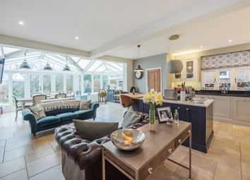 Thumbnail 6 bed detached house to rent in Cunningham Avenue, St.Albans
