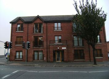 Thumbnail 2 bed flat to rent in Beersbridge Road, Belfast