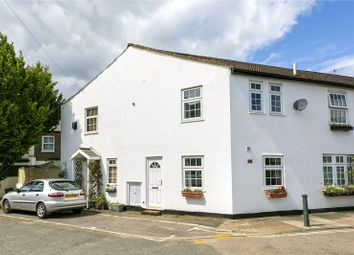 2 bed property for sale in Trinity Road, Richmond TW9