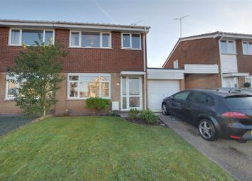 3 bed property for sale in Fairmead Close, Stafford ST17