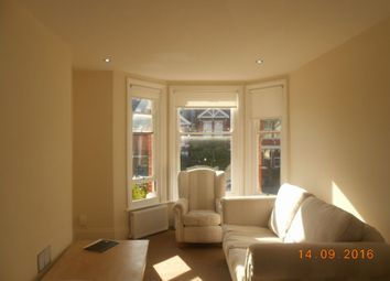Thumbnail 4 bed flat to rent in Ditchling Road, Brighton, East Sussex