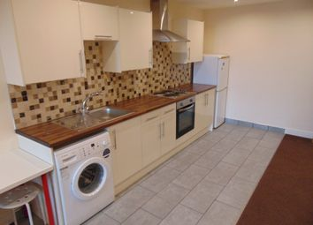 Thumbnail 2 bed flat to rent in St. Marys Road, Southampton