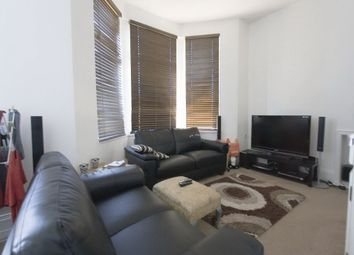 Thumbnail 3 bedroom flat to rent in Somers Road, Walthamstow