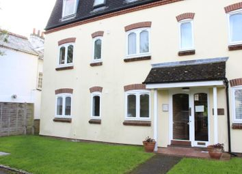 Thumbnail 2 bedroom flat to rent in Chestnut Court, Victoria Gardens, Newbury, 1Ey.