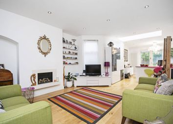 Thumbnail 5 bed property to rent in Clifton Gardens, Golders Green, London